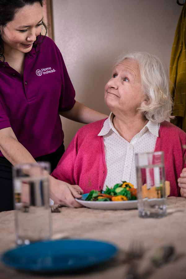 Helping Seniors with Meals in Toronto